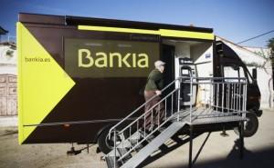 El cierre de oficinas de Bankia ha sido sustituido por autobuses itinerante FUENTE El Pais