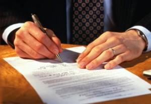 Los bancos estan obligando a firmar    el reconocimiento de la existencia de la clausula suelo FUENTE Can Stock Photo