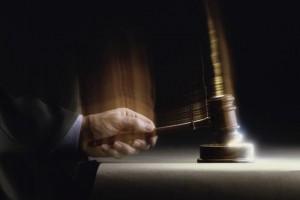 Sus señorias castigan a los bancos que vendieron preferentes con sentencias a favor de los afectados FUENTE El Pais