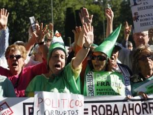 Cientos de personas aun reclaman la devolucion de su dinero FUENTE Diario Publico.es