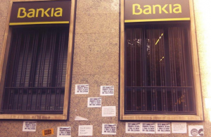 La opcion para recuperar las acciones de Bankia es demandar por la via civil a la entidad FUENTE Flickr.com