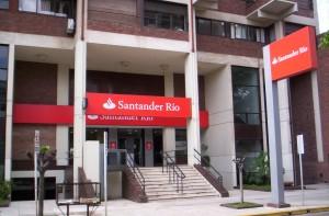 El Banco Santander propone a veces acuerdos extrajudiciales antes de llegar a los juicios por Valores Santander FUENTE commons.wikimedia.org