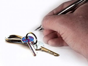 Acuda a abogados expertos en vivienda cuando la promotora o cooperativa de viviendas no le entrega su piso o no le devuelve el dinero dado a cuenta FUENTE pixabay.com