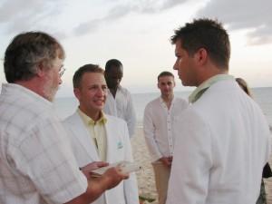 En las parejas homosexuales, estar casado garantiza muchos derechos a la hora de heredera FUENTE en.wikipedia.org