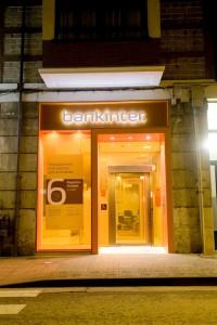 La mayoria de afectados por preferentes de Bankinter tampoco recibieron informacion antes de firmar los contratos FUENTE commons.wikimedia.org