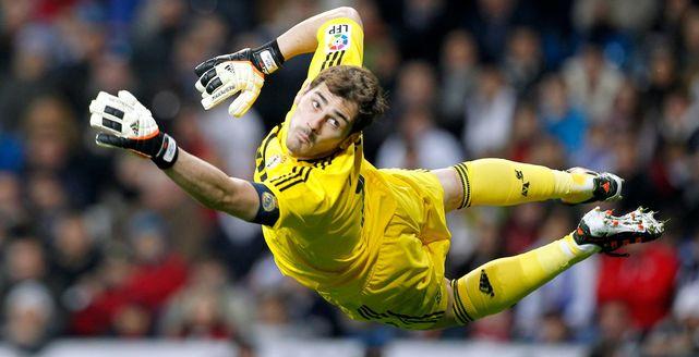 Iker-Casillas-partido-Real-Madrid_ECDIMA20140307_0008_20