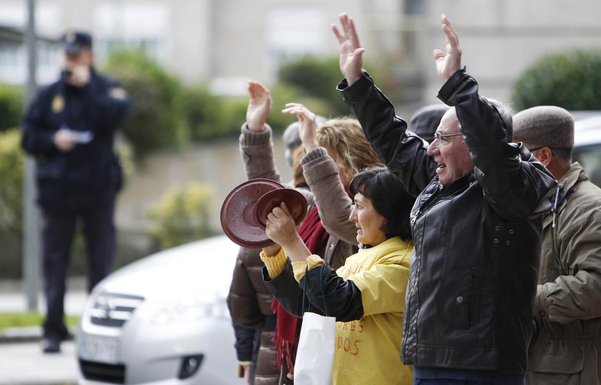 20121122 PONTEVEDRA Protesta preferentes NovaGalicia  MÓNICA PATXOT
