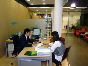 La venta de preferentes ha hecho que la gente desconfie de los contratos bancarios FUENTE Teleprensa.com