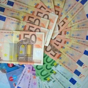 La CAM ha vendido aproximadamente 1.398 millones de euros en participaciones preferentes FUENTE es.wikipedia.org