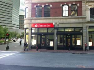 Hay muchas sentencias dictadas en contra del Santander por no haber dado a los clientes la informacion necesaria para comprender el producto FUENTE en.wikipedia.org