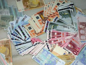 Las personas que acudan a la via judicial pueden recuperar el dinero invertido en acciones de Bankia FUENTE commons.wikimedia.org