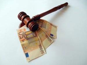 La CNMV ha multado a Bankia, Catalunya Caixa y Abanca por las preferentes con 8,2 millones de euros FUENTE pixabay.com