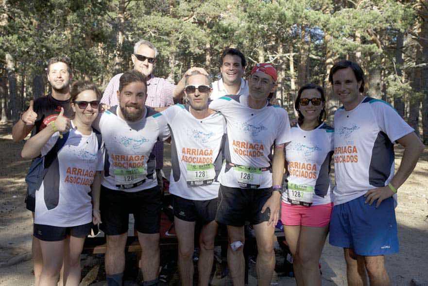 Nuestro dream team demostro esfuerzo y superacion en la Intermon Oxfam Trailwalker 2015 FUENTE arriagaasociados.com